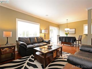Photo 3: 962 Tayberry Terr in VICTORIA: La Happy Valley Single Family Detached for sale (Langford)  : MLS®# 754956