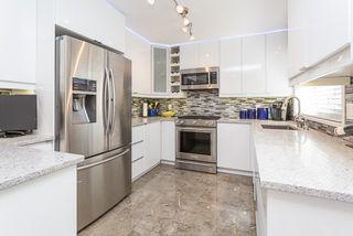 Photo 2: 21060 118 Avenue in Maple Ridge: Southwest Maple Ridge House for sale : MLS®# R2153246