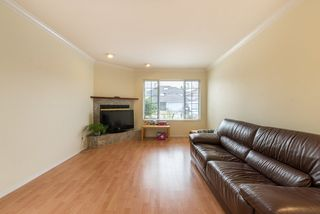 Photo 3: 6191 MARTYNIUK Place in Richmond: Woodwards House for sale : MLS®# R2193136