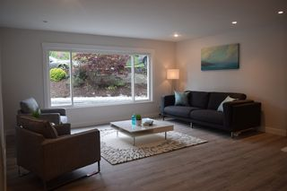 Photo 7: 1340 LORILAWN COURT in Burnaby: Parkcrest House for sale (Burnaby North)  : MLS®# R2186414