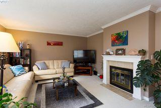Photo 5: 304 3900 Shelbourne St in VICTORIA: SE Cedar Hill Condo Apartment for sale (Saanich East)  : MLS®# 768174
