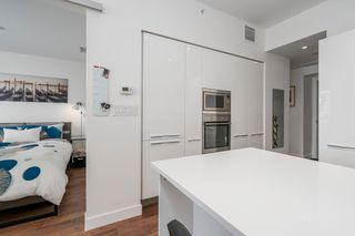 "Photo 9: 806 108 E 1ST Avenue in Vancouver: Mount Pleasant VE Condo for sale in ""Meccanica"" (Vancouver East)  : MLS®# R2199007"