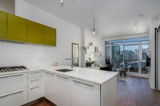 "Photo 7: 806 108 E 1ST Avenue in Vancouver: Mount Pleasant VE Condo for sale in ""Meccanica"" (Vancouver East)  : MLS®# R2199007"