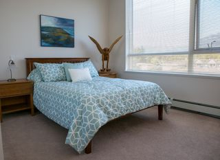 """Photo 8: 403 120 W 16TH Street in North Vancouver: Central Lonsdale Condo for sale in """"THE SYMPHONY"""" : MLS®# R2202868"""