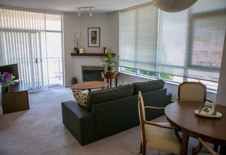"""Photo 2: 403 120 W 16TH Street in North Vancouver: Central Lonsdale Condo for sale in """"THE SYMPHONY"""" : MLS®# R2202868"""