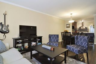 Photo 9: 113 2558 PARKVIEW Lane in Port Coquitlam: Central Pt Coquitlam Condo for sale : MLS®# R2212920