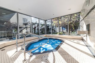 """Photo 18: 706 1001 HOMER Street in Vancouver: Yaletown Condo for sale in """"BENTLEY"""" (Vancouver West)  : MLS®# R2219801"""