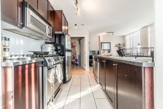 """Photo 6: 706 1001 HOMER Street in Vancouver: Yaletown Condo for sale in """"BENTLEY"""" (Vancouver West)  : MLS®# R2219801"""