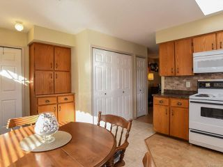 Photo 16: 2285 Kilpatrick Ave in COURTENAY: CV Courtenay City House for sale (Comox Valley)  : MLS®# 774125