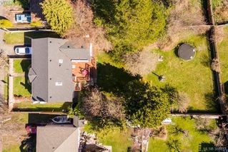 Photo 1: 1631 Richardson Street in VICTORIA: Vi Fairfield West Single Family Detached for sale (Victoria)  : MLS®# 388757