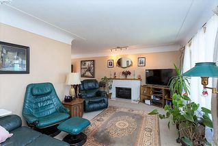 Photo 5: 1631 Richardson Street in VICTORIA: Vi Fairfield West Single Family Detached for sale (Victoria)  : MLS®# 388757