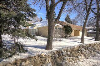 Photo 2: 419 Southport Boulevard in Winnipeg: Tuxedo Residential for sale (1E)  : MLS®# 1805555