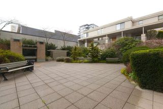 "Photo 16: 401 2288 PINE Street in Vancouver: Fairview VW Condo for sale in ""The Fairview"" (Vancouver West)  : MLS®# R2251724"