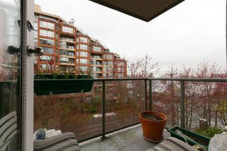 "Photo 9: 401 2288 PINE Street in Vancouver: Fairview VW Condo for sale in ""The Fairview"" (Vancouver West)  : MLS®# R2251724"