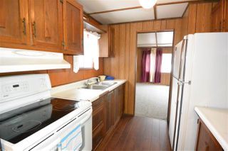 "Photo 3: 21 95 LAIDLAW Road in Smithers: Smithers - Rural Manufactured Home for sale in ""MOUNTAIN VIEW MOBILE HOME PARK"" (Smithers And Area (Zone 54))  : MLS®# R2256996"