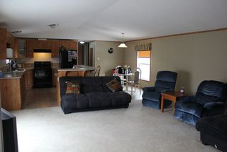 Photo 5: 5118 56 Street: Elk Point Manufactured Home for sale : MLS®# E4105959