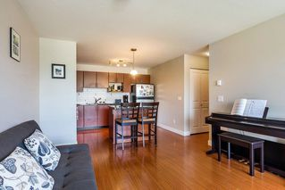 "Photo 7: 324 12085 228 Street in Maple Ridge: East Central Condo for sale in ""THE RIO"" : MLS®# R2263052"