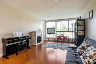 "Photo 4: 324 12085 228 Street in Maple Ridge: East Central Condo for sale in ""THE RIO"" : MLS®# R2263052"