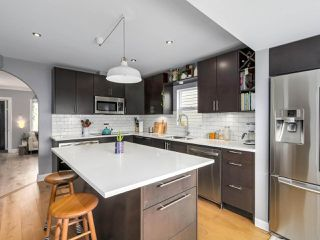 Photo 6: 2651 VENABLES Street in Vancouver: Renfrew VE House for sale (Vancouver East)  : MLS®# R2266027
