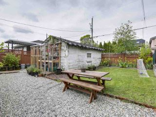 Photo 19: 2651 VENABLES Street in Vancouver: Renfrew VE House for sale (Vancouver East)  : MLS®# R2266027