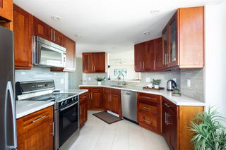 "Photo 11: 1501 130 E 2ND Street in North Vancouver: Lower Lonsdale Condo for sale in ""The Olympic"" : MLS®# R2268465"