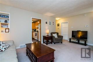 Photo 3: 692 Cambridge Street in Winnipeg: River Heights Residential for sale (1D)  : MLS®# 1823041