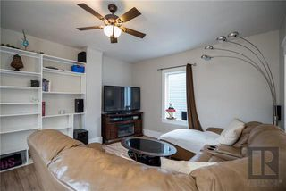 Photo 5: 212 Harvard Avenue West in Winnipeg: West Transcona Residential for sale (3L)  : MLS®# 1828597