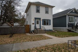 Photo 1: 212 Harvard Avenue West in Winnipeg: West Transcona Residential for sale (3L)  : MLS®# 1828597