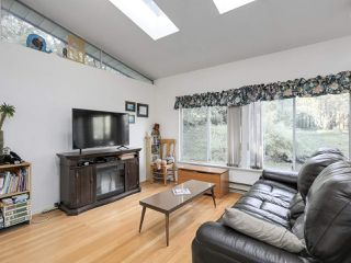 "Photo 8: 1018 PALMDALE Street in Coquitlam: Ranch Park House for sale in ""Ranch Park"" : MLS®# R2329948"
