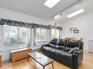"Photo 9: 1018 PALMDALE Street in Coquitlam: Ranch Park House for sale in ""Ranch Park"" : MLS®# R2329948"