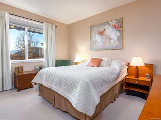 Photo 6: 2413 Stirling Cres in COURTENAY: CV Courtenay East House for sale (Comox Valley)  : MLS®# 804446