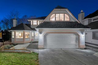 Main Photo: 9023 203B Street in Langley: Walnut Grove House for sale : MLS®# R2334448