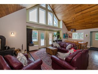 Photo 8: 13068 DEGRAFF Road in Mission: Durieu House for sale : MLS®# R2345180