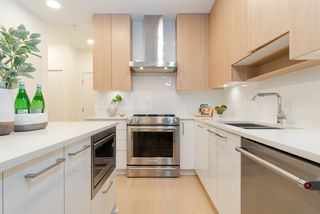 """Photo 5: 210 5460 BROADWAY in Burnaby: Parkcrest Condo for sale in """"SEASONS"""" (Burnaby North)  : MLS®# R2348910"""
