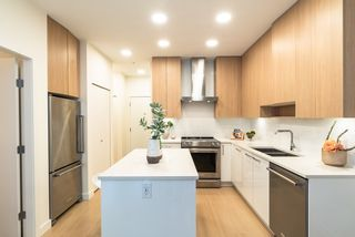 """Photo 2: 210 5460 BROADWAY in Burnaby: Parkcrest Condo for sale in """"SEASONS"""" (Burnaby North)  : MLS®# R2348910"""