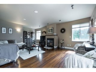Photo 5: 15430 ROPER Avenue: White Rock House for sale (South Surrey White Rock)  : MLS®# R2358941