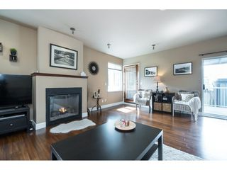 Photo 4: 15430 ROPER Avenue: White Rock House for sale (South Surrey White Rock)  : MLS®# R2358941