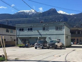Photo 2: 2 38060 SECOND Avenue in Squamish: Downtown SQ Condo for sale : MLS®# R2361673