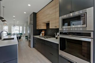 Photo 8: 9625 80 Avenue in Edmonton: Zone 17 House for sale : MLS®# E4156311