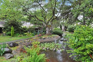 "Photo 19: 720 WESTVIEW Crescent in North Vancouver: Central Lonsdale Condo for sale in ""Cypress Gardens"" : MLS®# R2370300"