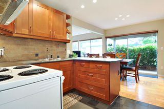 "Photo 9: 720 WESTVIEW Crescent in North Vancouver: Central Lonsdale Condo for sale in ""Cypress Gardens"" : MLS®# R2370300"