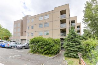 "Photo 1: 301 22722 LOUGHEED Highway in Maple Ridge: East Central Condo for sale in ""Marks Place"" : MLS®# R2381095"