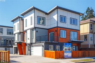 Photo 3: 105 817 Arncote Ave in VICTORIA: La Langford Proper Row/Townhouse for sale (Langford)  : MLS®# 818780