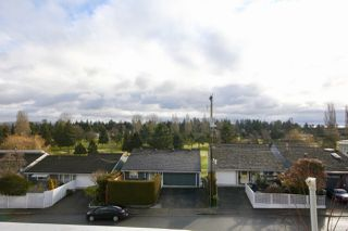 "Photo 5: 407 1428 56 Street in Delta: Beach Grove Condo for sale in ""BAYVIEW VILLA"" (Tsawwassen)  : MLS®# R2405950"