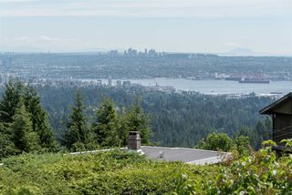 "Main Photo: 493 CRAIGMOHR Drive in West Vancouver: Glenmore House for sale in ""Glenmore"" : MLS®# R2436559"