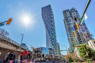 Main Photo: 4002 1480 HOWE Street in Vancouver: Yaletown Condo for sale (Vancouver West)  : MLS®# R2463556