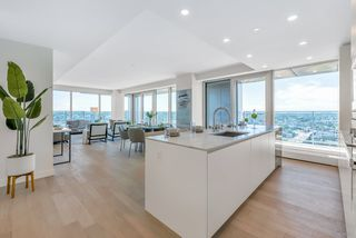 Photo 9: 4002 1480 HOWE Street in Vancouver: Yaletown Condo for sale (Vancouver West)  : MLS®# R2463556