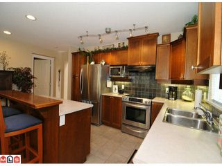 """Photo 2: 44 15450 ROSEMARY HEIGHTS Crescent in Surrey: Morgan Creek Townhouse for sale in """"CARRINGTON"""" (South Surrey White Rock)  : MLS®# F1112907"""