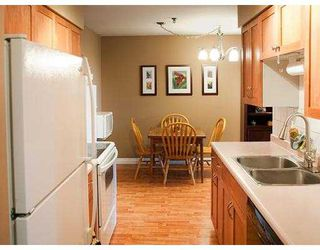 Photo 2: 327 22661 LOUGHEED Highway in Maple Ridge: East Central Condo for sale : MLS®# V980911