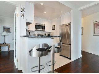 """Photo 6: 709 15111 RUSSELL Avenue: White Rock Condo for sale in """"PACIFIC TERRACE"""" (South Surrey White Rock)  : MLS®# F1405374"""
